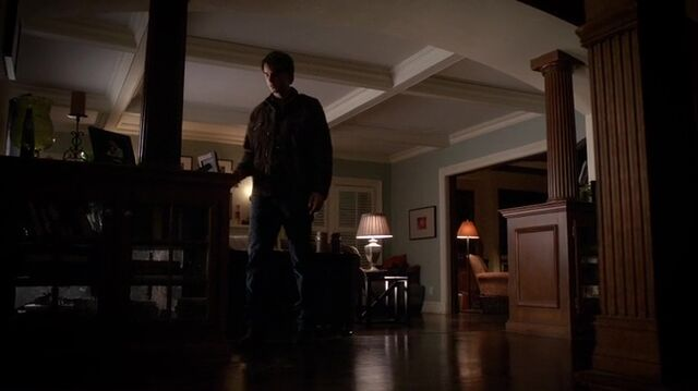 File:TVD4x12-Gilbert House 13.jpg