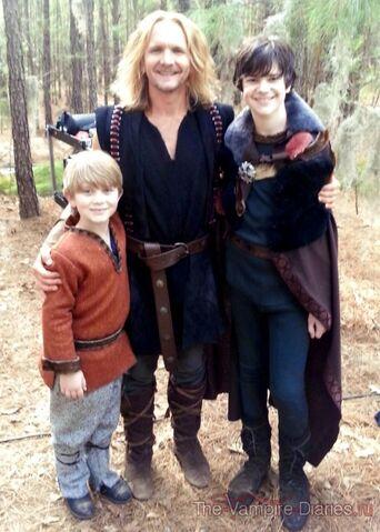 File:Mikael i jego dwóch synów.jpg