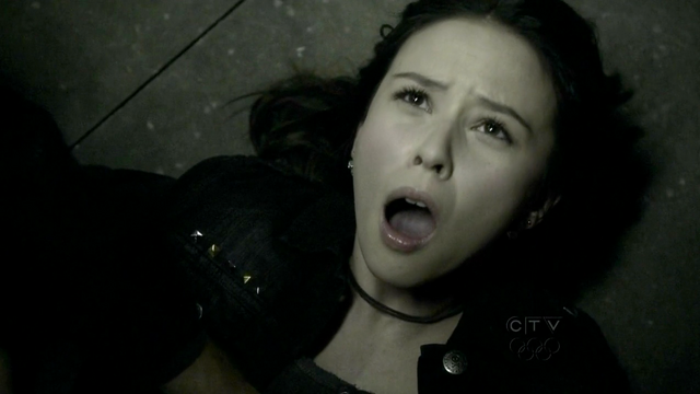 File:The vampire diaries anna 2.png