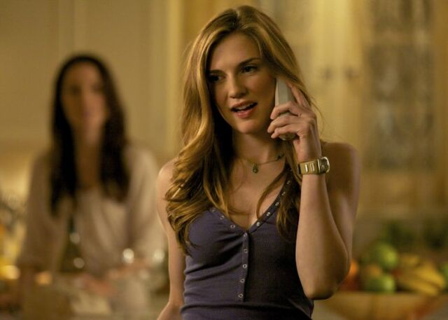 File:Vampire-diaries-season-3-the-departed-promo-pics-6.jpeg
