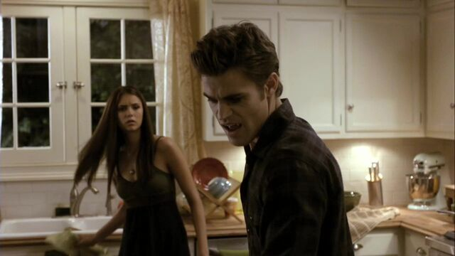 File:TVD1x05-Gilbert House 60.jpg