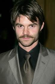 File:Images-Daniel Gillies -09.jpg