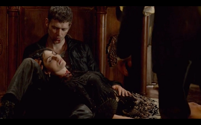 File:1x22-Klaus holds Hayley 2.png
