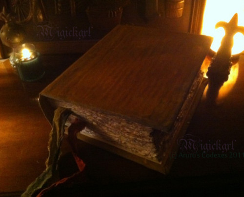 File:Vampire-diaries-bonnie-grimoire-spell-book-of-shadows-2e2ae.jpg