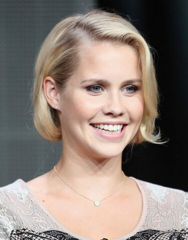 File:The Originals - Claire Holt(a).jpg