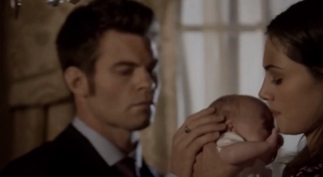 File:Elijah-Hope-Hayley 1x22.png