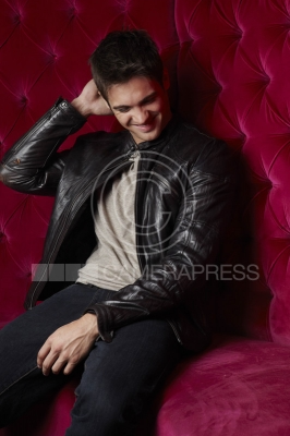 File:Steven R. McQueen Photoshoot 3.png