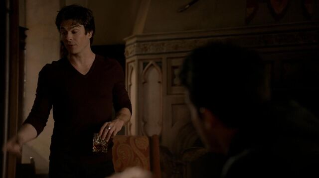 File:The.vampire.diaries.s05e20.1080p.web.dl.x264-mrs.mkv snapshot 05.33 -2014.05.14 02.39.00-.jpg