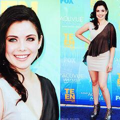 Phipps at the 2011 Teen Choice Awards