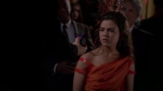 File:Davina 1x18 (7).png