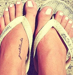 File:Claire Holt's feet.jpg