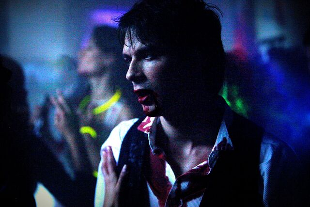 File:Vampire diaries damon the five.jpg