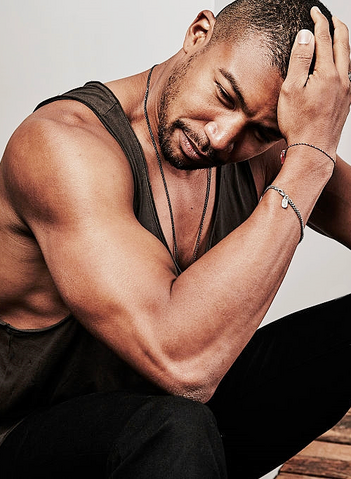 File:2015 SDCC EW Charles Michael Davis.png