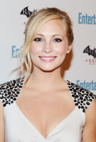 File:Candice+Accola+Entertainment+Weekly+5th+Annual+PTe-BhEZ1q5l.jpg