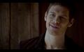 1x07-Klaus jealous?.png