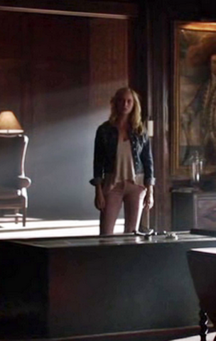 File:5x9 Caroline Forbes The Cell..png