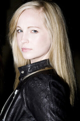 File:Candice-A-Rare-Pics-2009-without-make-up-photoshoot-candice-accola-26488203-333-500.jpg