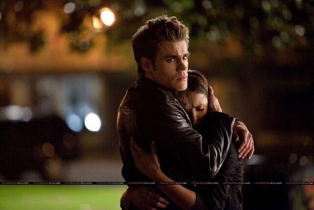 File:1-The-Vampire-Diaries-1x21-Isobel-Elena-Stefan-Promo.jpg