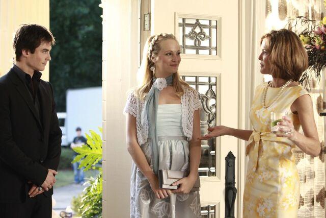 File:1x04-Family Ties (24).jpg