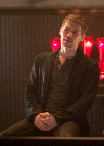 File:1x4 Klaus Mikaelson Girl in New Orleans .png.png