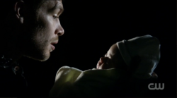 Capture-1x22-Klaus-et-Hope