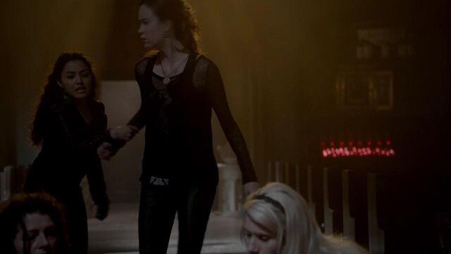 File:The Originals S01E21 mkv2328.jpg