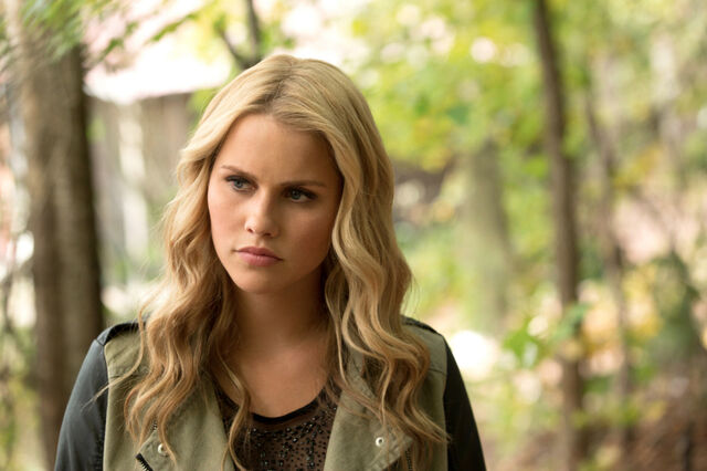File:1x09Rebekah.jpg