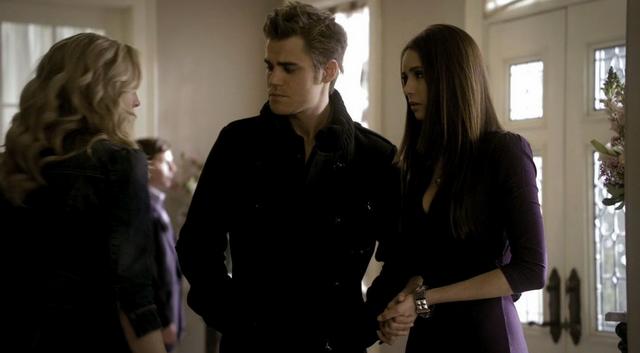 File:Caroline-Stefan-Elena 2x17--.png