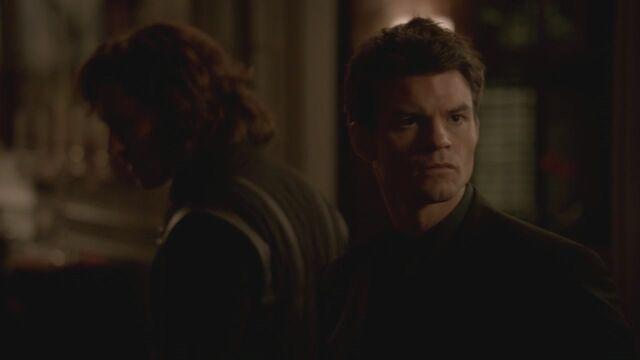 File:The-Vampire-Diaries-3x13-Bringing-Out-the-Dead-HD-Screencaps-elijah-28812094-1280-720.jpg