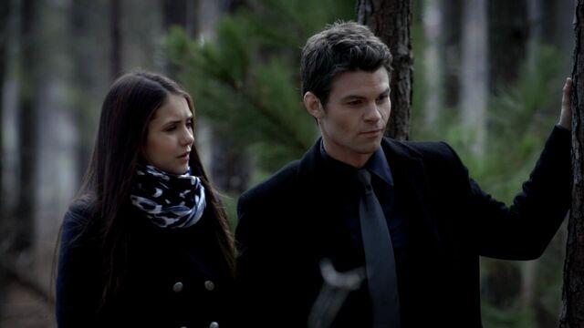 File:Elijah-and-Elena-3x15-elijah-and-elena-29159599-1280-720.jpg