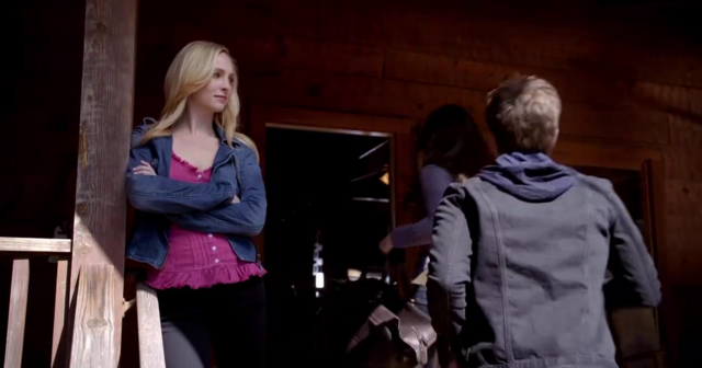 File:Caroline, Elena and Stefan 5x20.png