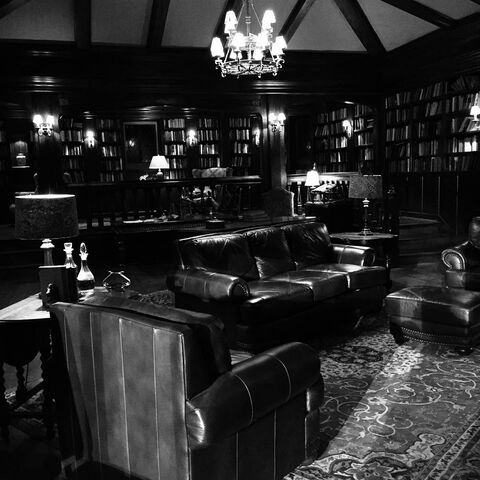 File:Salvatore Boarding House S7 Library.jpg