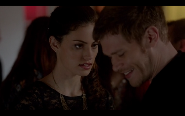 File:1x18-Klaus smiles.png