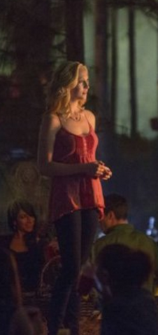 File:5x4 Caroline Forbes Whom the Bell Tolls.jpg.png