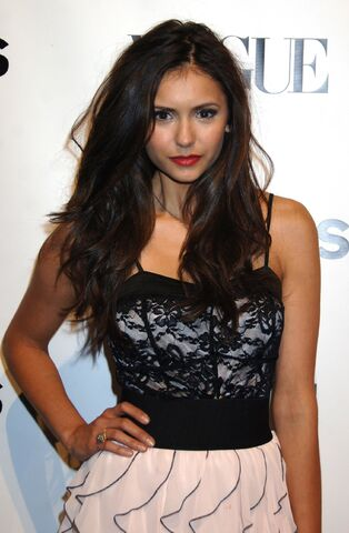 File:Nina-dobrev-dot-net event-express30thanniversaryparty-0051.jpg