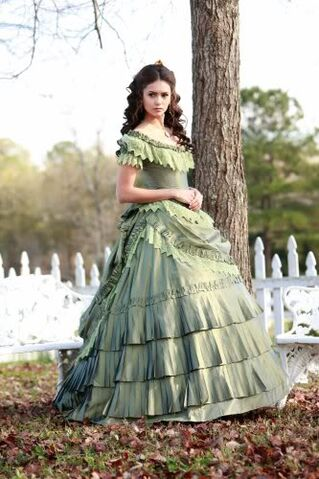 File:Katherine-pierce-costumes.jpg