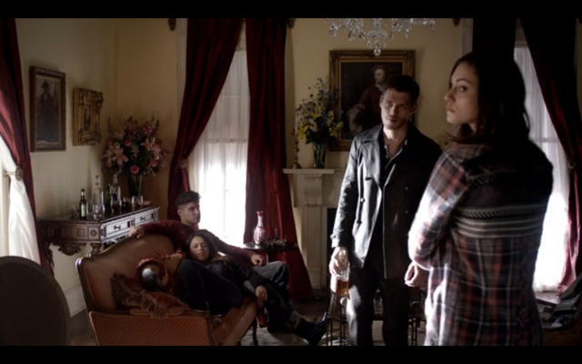 File:4x06-Lockwood Mansion 2.png