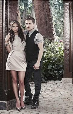 File:Vampire-diaries-promo.jpg