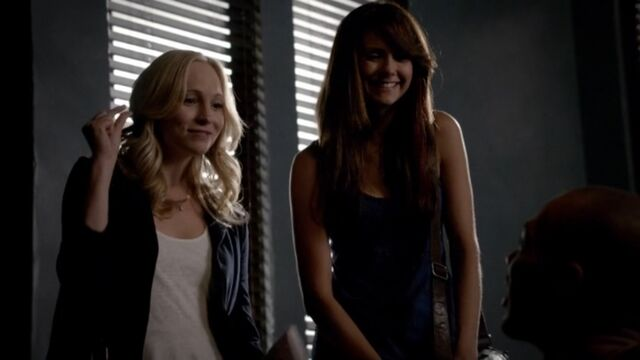 File:Elena and Caroline 4 TVD 5x02.jpg