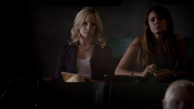 File:Elena and Caroline 8 TVD 5x02.jpg