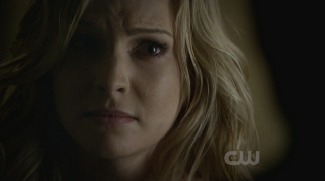 File:Caroline is mad with Tyler 2x13-.png