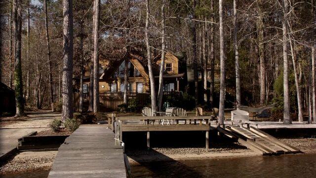 File:Lakehouseblurrypromo.jpg
