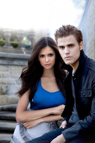 File:Elena and stefan.jpg