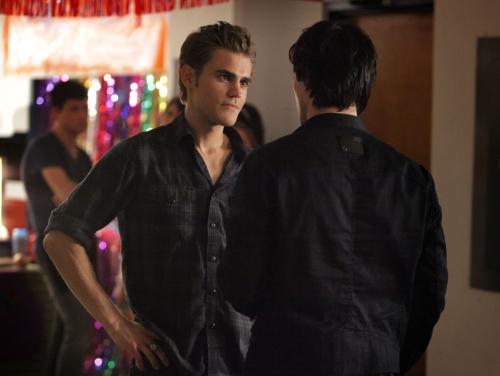 File:Vampire-diaries-season-2-brave-new-world-promo-pics-12.jpg