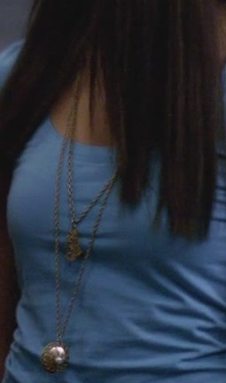 File:1x01-Necklaces.jpg