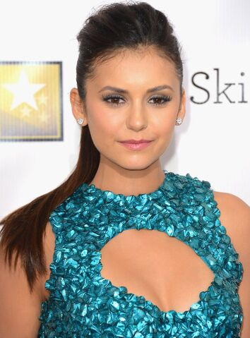 File:Nina-dobrev-hot-2013.jpeg