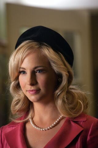 File:2x18 Caroline The Last Dance.jpg