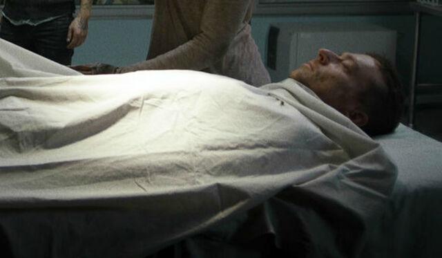 File:Van Helsing Roger is dead.jpg