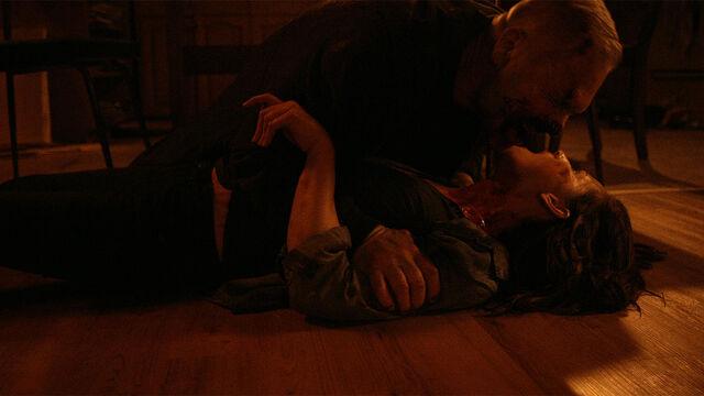 File:Seen You 1x02 Vampire Balthazar attacking Vanessa.jpg