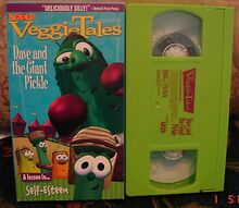 VeggieTales Dave and the Giant Pickle Video $3 00 Ship 1 VHS & $5 Ship